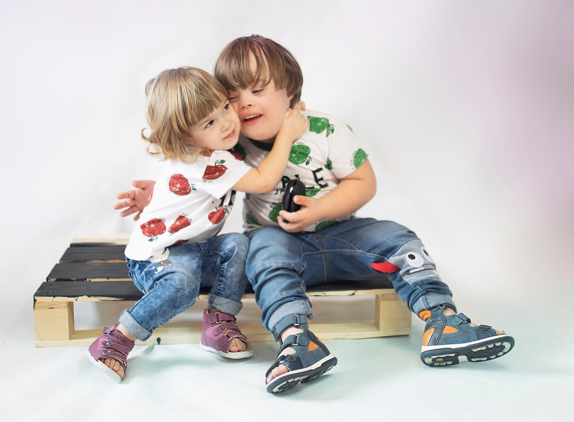 http://ortho-medical.fr/17-chaussures-orthopediques-enfants